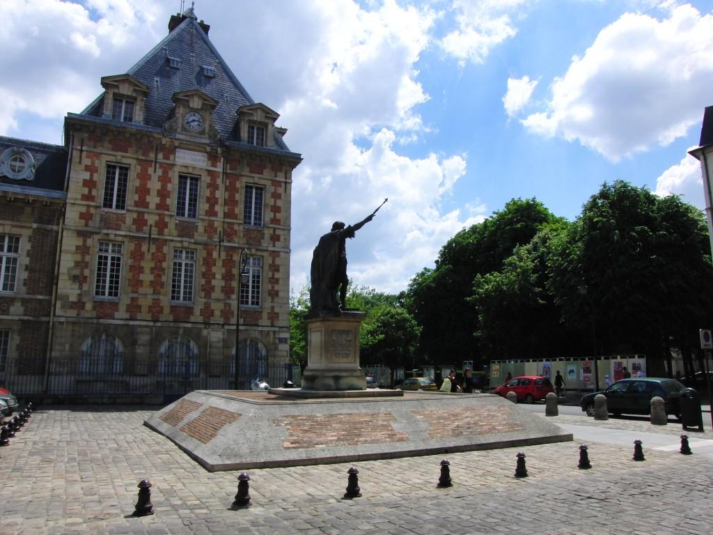 Charenton-le-pont_place_dussault